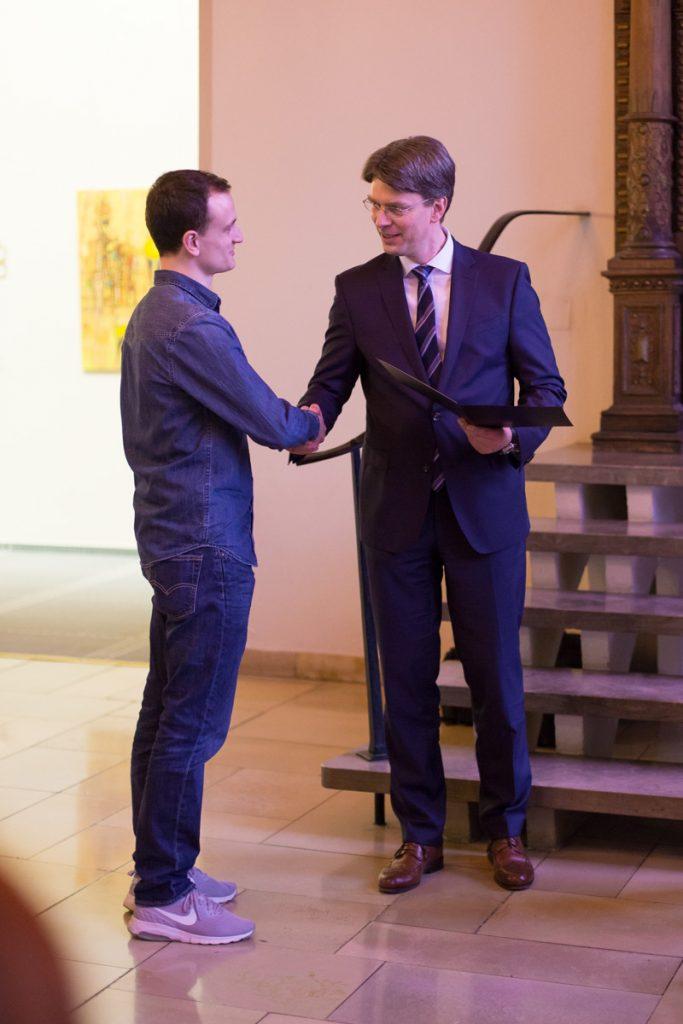 Auch OB Ingo Meyer gratulierte zum Familiensiegel 2018
