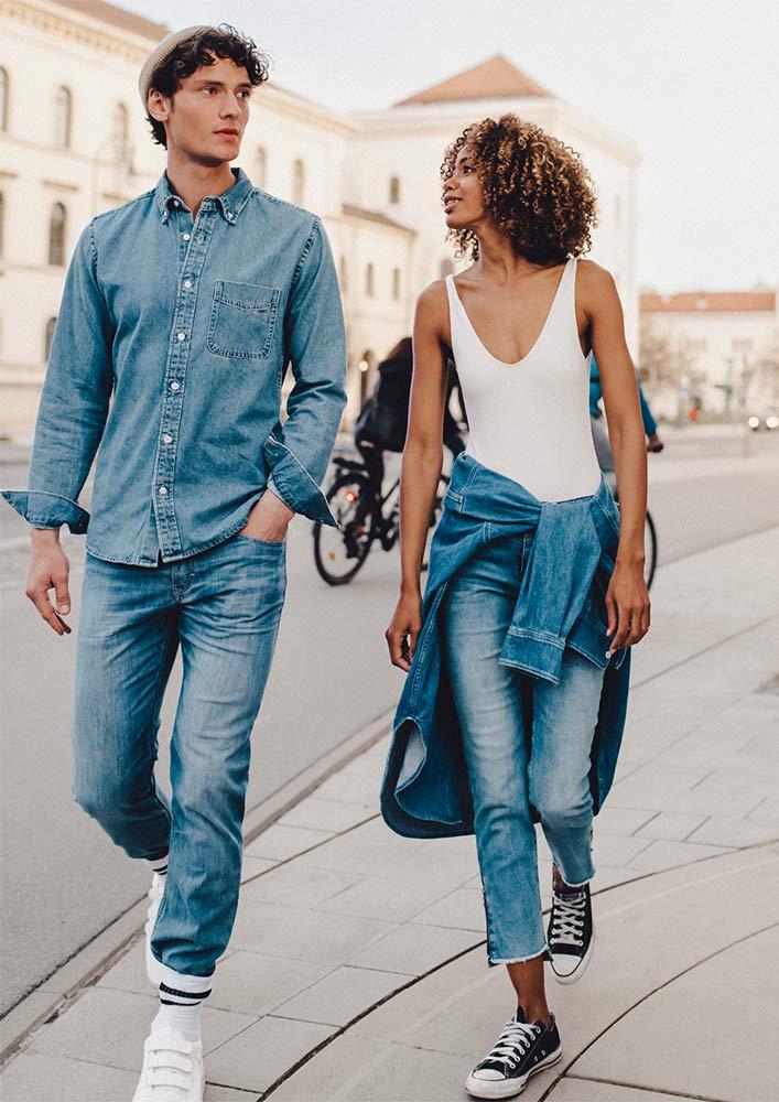 Mac Jeans Logo Couple