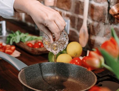 Malheur beim Kochen: Wie entferne ich Tomatenflecken & Co.?